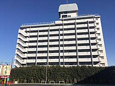 喜多見駅より徒歩7分。狛江駅も利用可能で便利。
