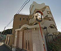 大手町や日比谷などのビジネス街へ直通の、都営三田線「本蓮沼」駅より徒歩6分