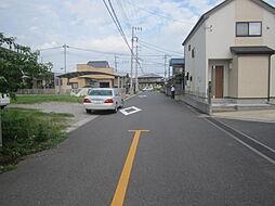 前面道路。交通...