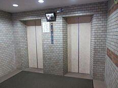 エレベーター 2基あります