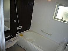 同仕様写真(浴室)保温浴槽・浴室暖房乾燥機付き・窓あり・広々1坪タイプ