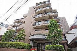 建物外観(H29.5撮影)/東急東横線・東京メトロ日比谷線「中目黒」駅より徒歩5分の立地です
