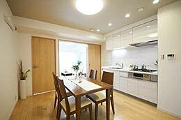チェックすべきポイント・買い時がわからないなど住宅購入に不安を感じている方、私たちイーアス不動産にお任せ下さい。