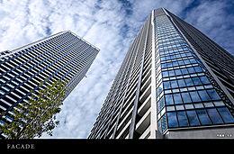 ツインタワーのEAST棟43階南西角住戸です。