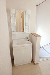 2階洗面化粧台...