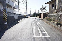JR石岡駅まで、徒歩約23分の立地です。