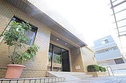 「Renovation Mansion」公園や小・中学校も徒歩圏内の子育てに優しい環境です。東京のマンションはライフスタイルから探すことが可能となりました。