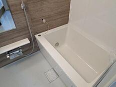 ユニットバス新規交換、サーモ付きシャワー水栓