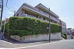 「馬込」駅徒歩5分、南傾斜の高台に佇む新耐震基準適合マンション