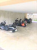 バイク置き場も敷地内にあります。こちらの空き状況もご確認ください。