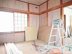 リフォーム中写真12/6撮影1階和室 畳表替、襖・障子張り替えます。イグサの香りに癒される、居心地の良いお部屋に仕上げます。