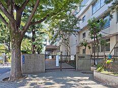 板橋区立板橋第一中学校まで640m
