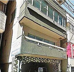 東京都新宿区細工町の賃貸マンションの外観