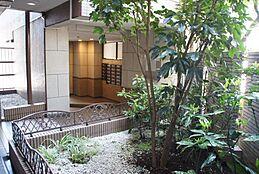 マンションの共有スペースもとてもきれいに手入れされています。管理体制良好マンションです。