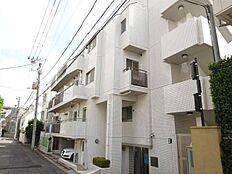 東京メトロ銀座線「表参道駅」より徒歩12分、「渋谷駅」「広尾駅」も利用可能な立地です。