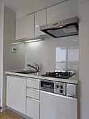 ビルトインコンロ・浄水器付システムキッチン