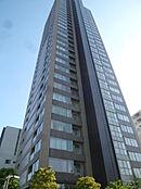 (平成29年8月6日撮影)27階には徒歩3分の立地には、「マルエツ」があります。27階には、1時間500円で使用できるスカイラウンジがあるので、ママ会に使用しても便利ですね