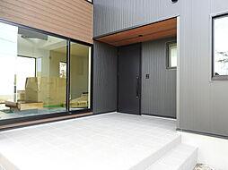 シンプルな玄関...