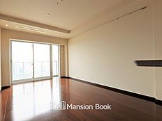 リビング部分のエアコンは天井埋込式カセットエアコンなのですっきりしていて、且つ高出力で安心。