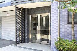 ~ 新規内装リノベーション 安心のアフターサービス保証付き 南東角部屋につき日当たり・通風良好 バルコニーからスカイツリーが望めます ~