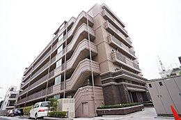 建物外観(H29.5撮影)/平成28年2月築の建物、3階部分のお部屋です