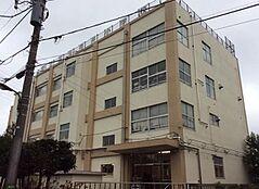 足立区立青井小学校(309m)