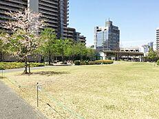 敷地内には中庭があり、お子様の遊び場としてもピッタリです。