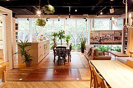弊社東京八重洲ショールームになります。
