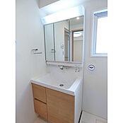 3面鏡タイプの洗面台
