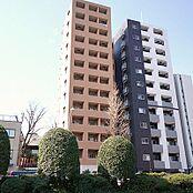 「サンテミリオン白山」13階建マンション、平成17年3月築です。