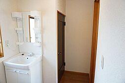 2階廊下に洗面...