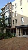 外観 プラウドシティ阿佐ヶ谷は首都圏における第一種低層住居専用地域の新築分譲マンションで最大級(1995年以降)の規模となる総戸数575戸の中低層レジデンス棟とテラスハウスのマンションです。
