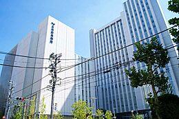 総合病院三井記念病院まで827m