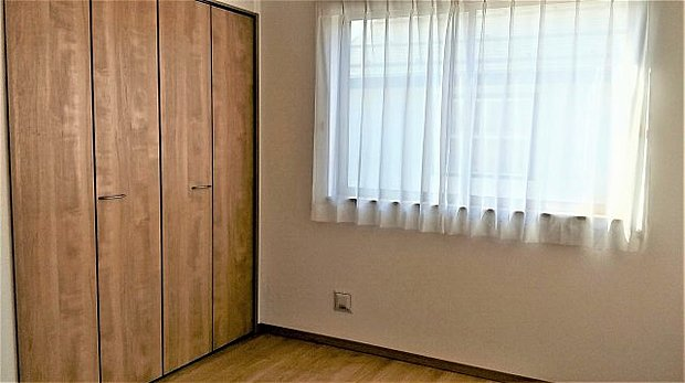 6帖の洋室。南から日が差し込む明るいお部屋♪