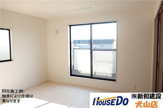 南側の主寝室はたっぷり収納を備えたWIC付き。