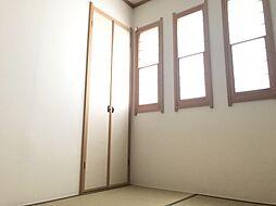 しっとりと落ち着いた雰囲気の和室は客間としてもお使いいただけます