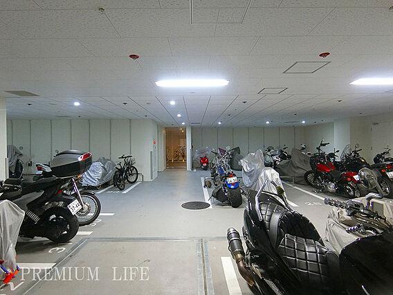 バイク置き場(...
