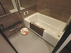 グレードの高い浴室は機能的です。
