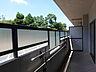 南向きバルコニーは日当たり良好 テーブルなどを置いてくつろぎスペースとしてもお使いいただけます。