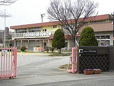 平岡北幼稚園…約920m