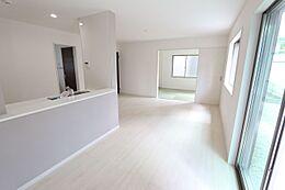 和室を合わせると22.25帖の大きなお部屋です。