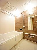 浴室換気乾燥機・オートバス・追焚き機能付きのバスルームです。