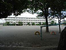 府中市立小柳小学校 380m
