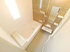半身入浴大型浴槽、カラット床