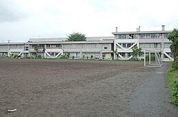 清瀬市立清瀬第二中学校まで300m