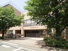 小学校まで411m、「千寿本町小学校」徒歩6分
