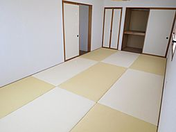 和室2階の9畳...