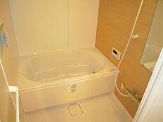 LIXILリノビオVシリーズで、快適な入浴タイムを。