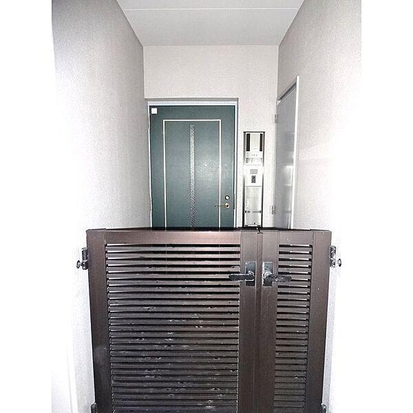 玄関:プライベートポーチ