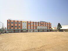 三鷹市立第三小学校 580m